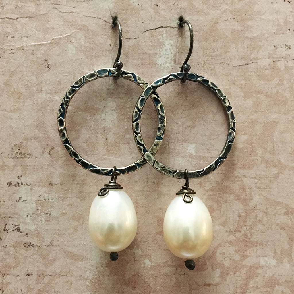 Oxidised Medium Halo & Pearl Earrings
