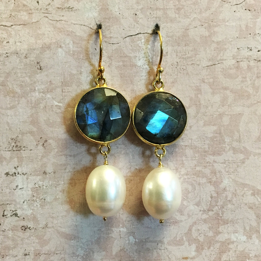 Set Labradorite and Drop Pearl Earrings