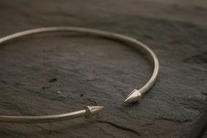 Basic Arrow Choker