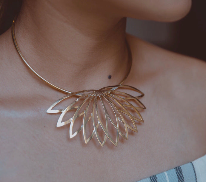 The Lotus Choker