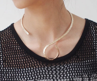 Swirl Vintage Torque Hammered Choker Gold or Silver Zinc Alloy Necklaces