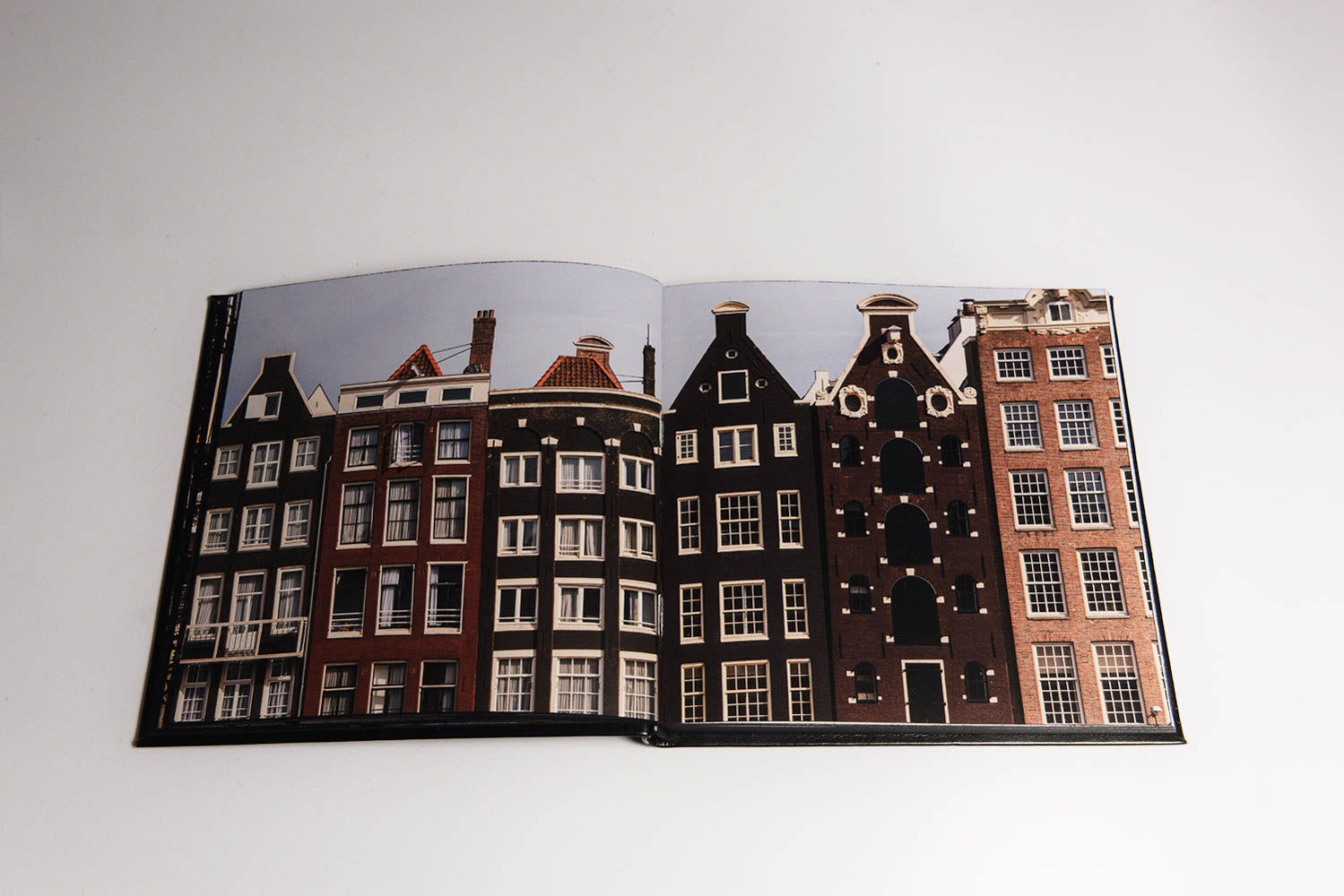 DEFINE FINE AMSTERDAM TRAVEL GUIDE