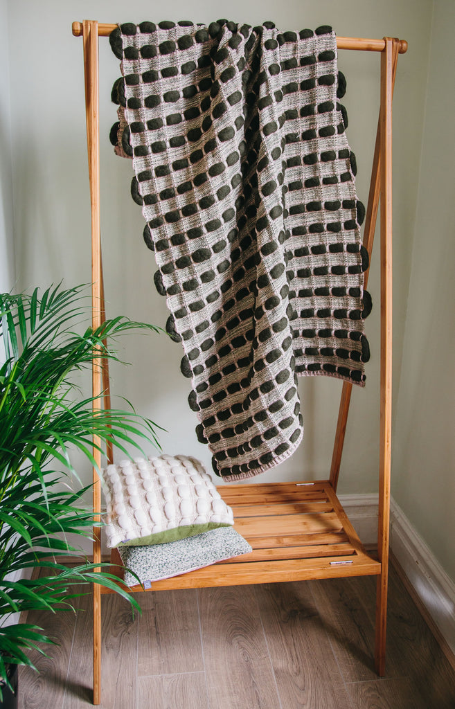"Brittany Throw | ""Pebbles"" 