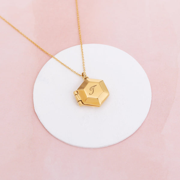 Capsul Locket Necklace