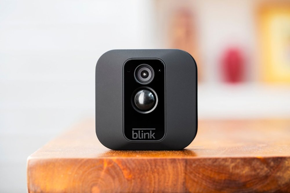 Blink - XT Home Security Camera System, Motion Detection, HD Video, 2-Year  Battery, Free Cloud Storage Included - 3 Camera - Black