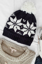 Norway Pom Beanie - Navy