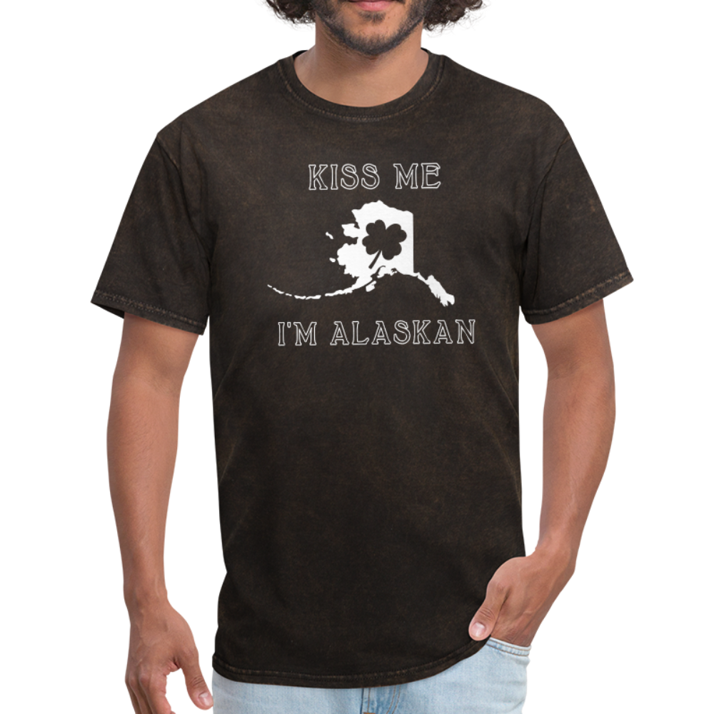 Kiss Me I'm Alaskan Men's Tee - mineral black