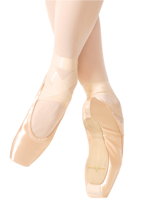 GAYNOR MINDEN POINTE SHOE SLEEK SUPPLE SHANK BOX #4