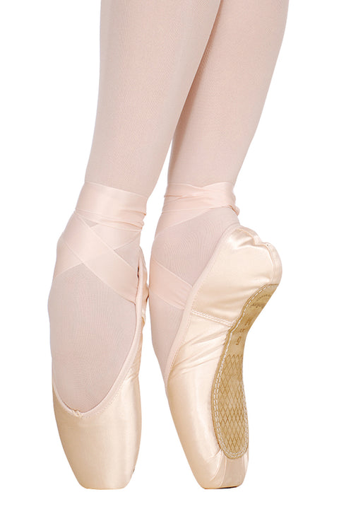 NIKOLAY CLASSIC MEDIUM SHANK POINTE SHOE