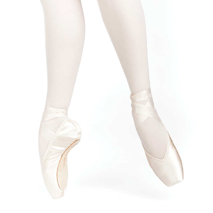 RUSSIAN POINTE ENTRADA PRO V-CUT VAMP 2 SHANK: MS POINTE SHOES
