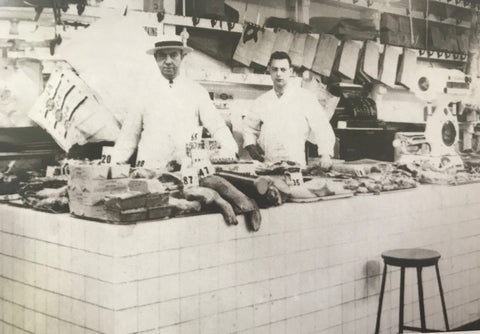 Och's Meats (now DiNic's) in Reading Terminal Market 1947