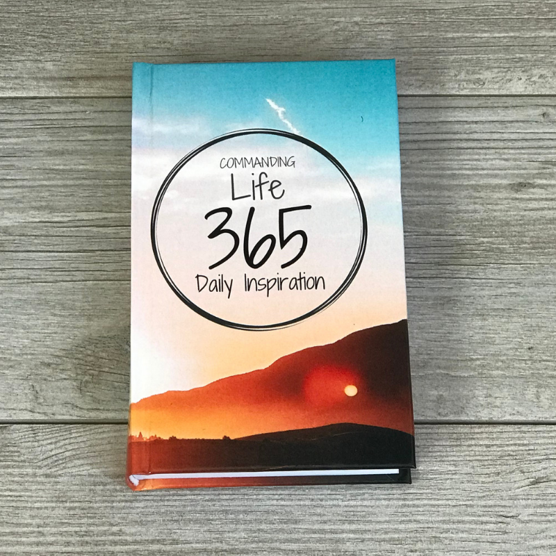 A Commanding Life 365 Daily Inspiration Pocket Book