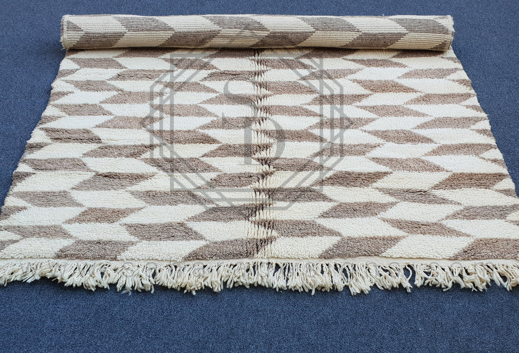 Diamond Brown and White Beni Ouarain Wool Rug