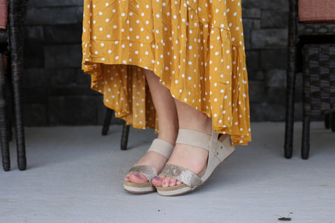 Revy Snakeskin Wedge- Cream