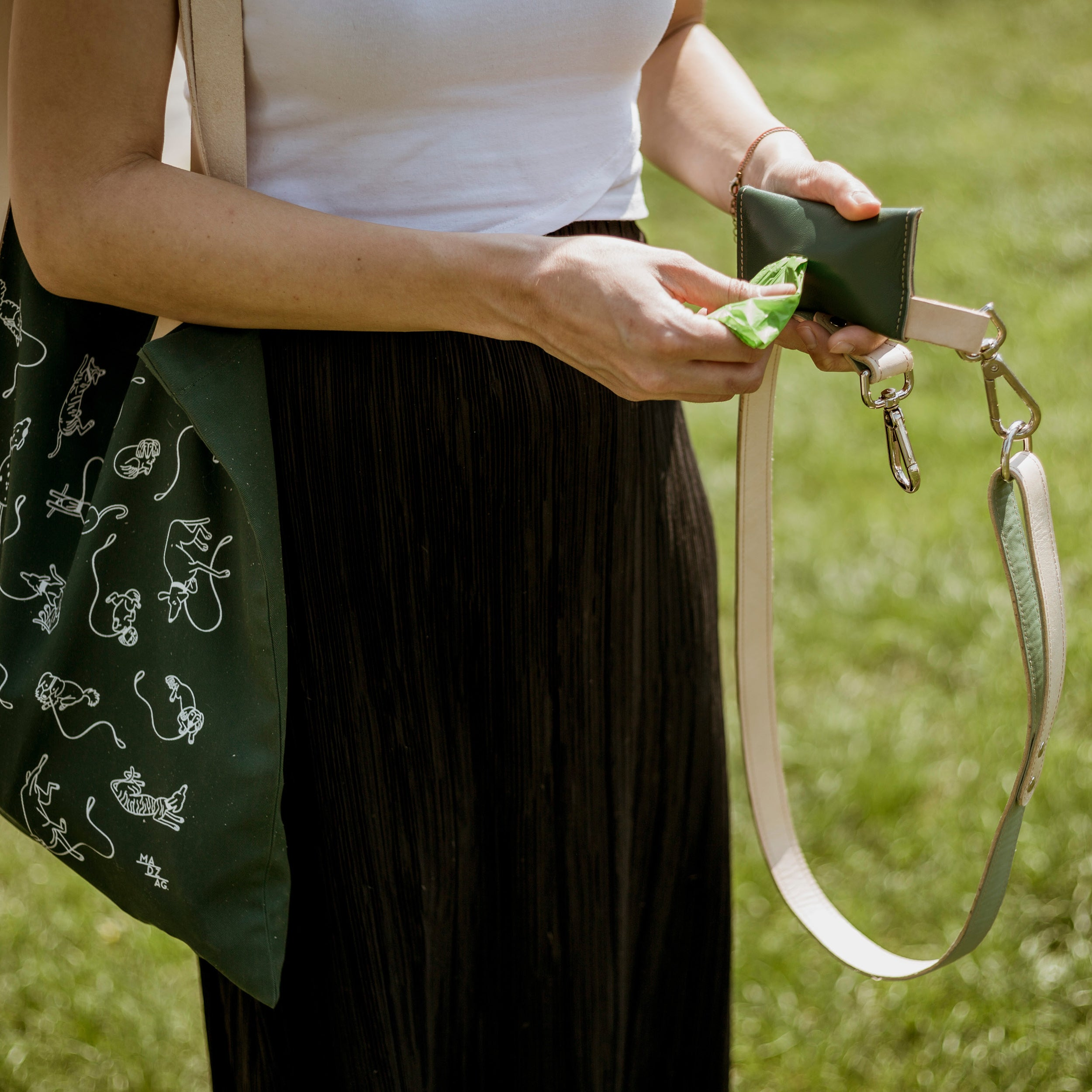 Simple Leash- for taller dogs and those who prefer to keep their dogs closer