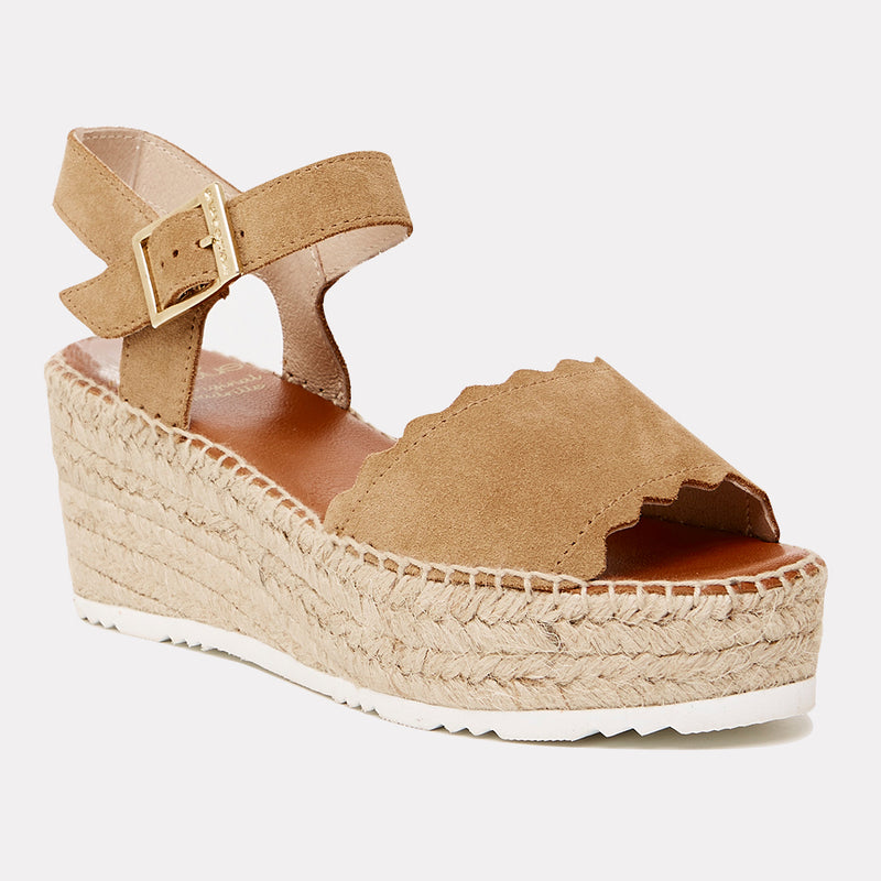 Cacia Suede Scalloped Platform Wedge Espadrille (Light Brandy Suede)