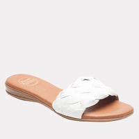 Nicki Featherweights ™ (White)
