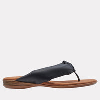 Nuya Featherweights ™ Slide Sandal (Black)