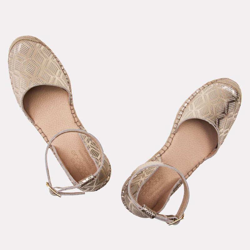Espadrille - Ingrid Metallic Perf Leather Espadrille (Platino)