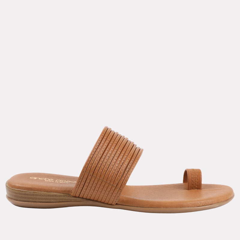 Vira Leather Toe Ring Flat Sandal (Cuero)