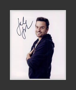 Jake Johnson Autograph - Actor | New Girl | No Strings Attached | Get Him to the Greek