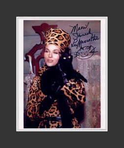 Lee Meriwether Autograph - Actress | Catwoman | Batman TV 1960s