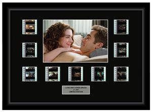 Love and Other Drugs (2010) - 9 Cell Display