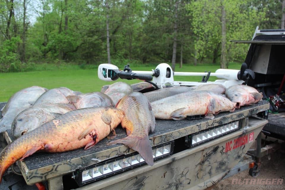 Mounting Ideas for Your Swamp Eye Bowfishing Light Bars