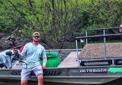 bowfishing during the day time with gear and equipment