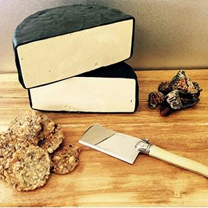 Noshing Naturally - Smoked Gouda - The Vegan Cheese Shop
