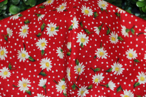 Daisies Red Flower Field Reusable Mask