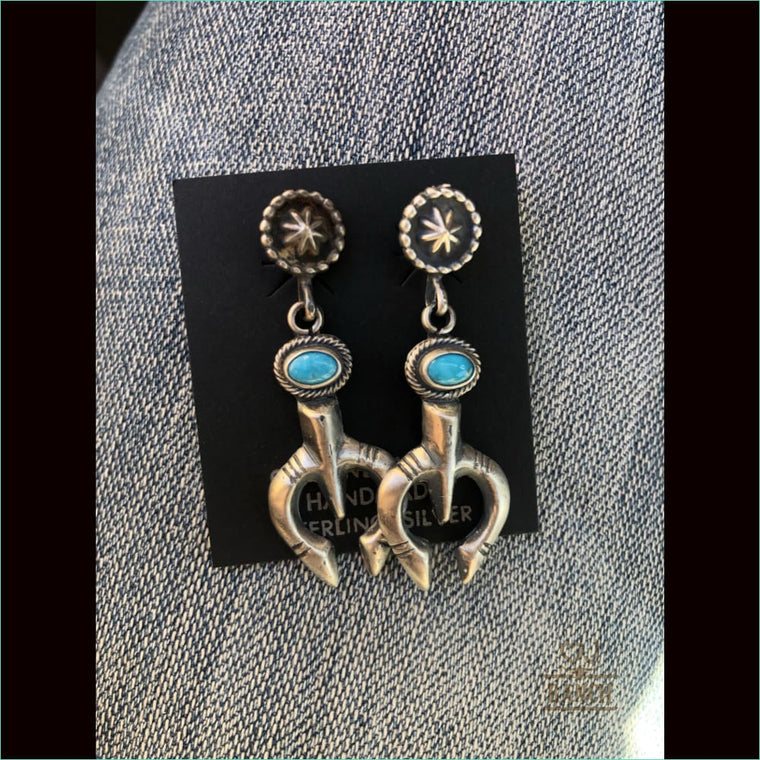 Stud mini naja/concho earrings