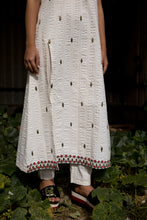 Shaakh - Embroidered organic seersucker cotton tunic with pants set
