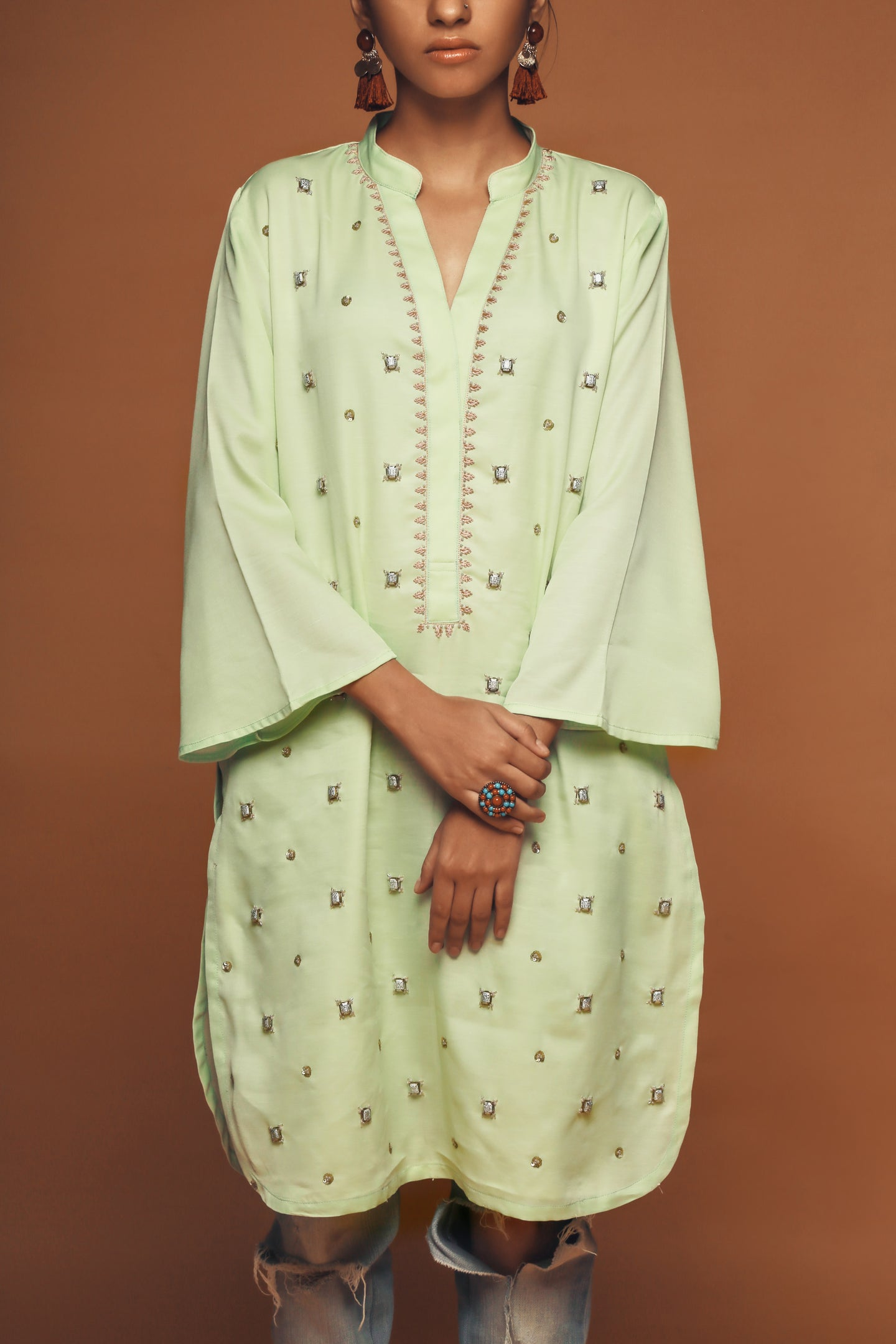 Nella - Pale mint green - Hand embroidered boxy tunic