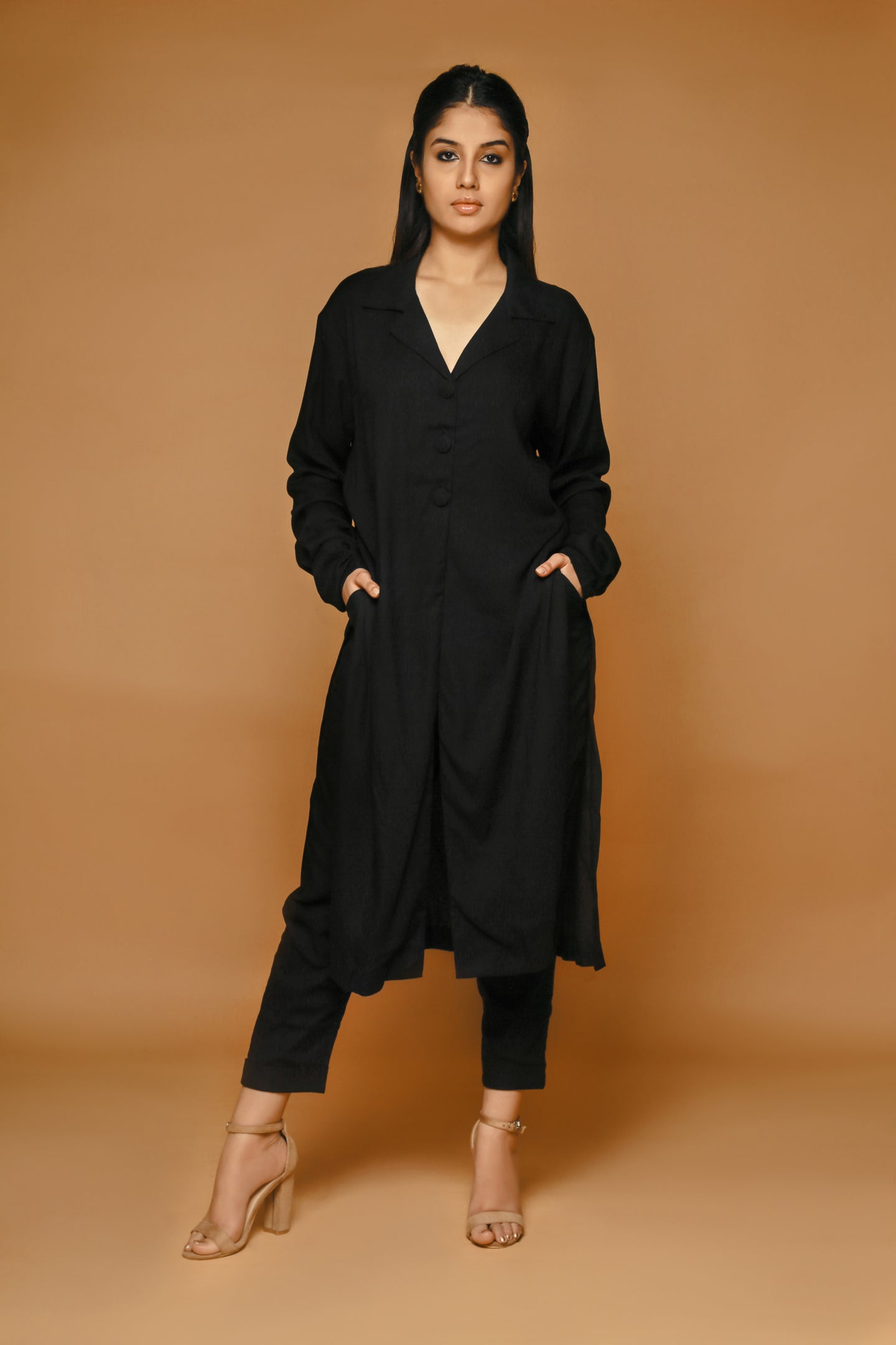 Brezza - Notched collar tunic and peg trousers set
