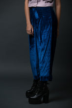 Eva - High waist pleated velvet cullotes
