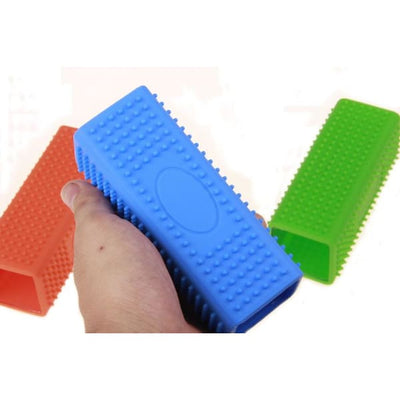 $24.95 - RECTANGLE SILICONE PET GROOMING TOOL (4) TRAVEL PETS