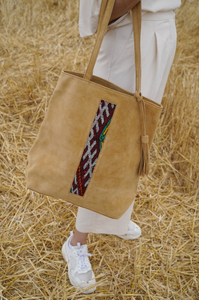 Suede and Kilim shopper bag - Nude