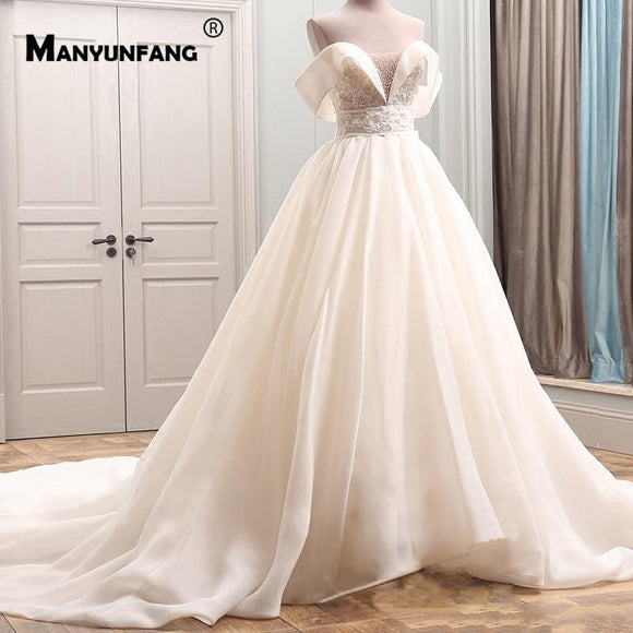 Luxury Wedding Dress Batwing Sleeves A Line
