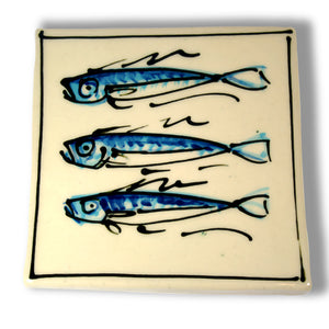 3 Fish T Pot Stand by Richard Wilson Ceramics