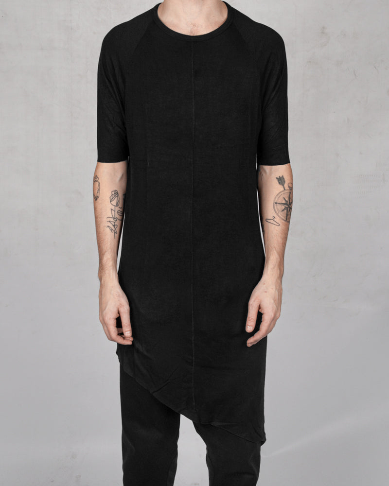 10R:son - T1003 - Asymmetric tshirt black - Stilett.com