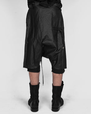 Army of me - Layered linen shorts - https://stilett.com/