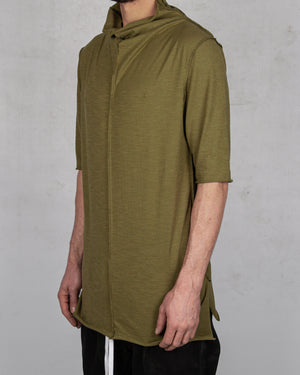 Atelier Aura - Björg reversed drapeneck tee green - https://stilett.com/