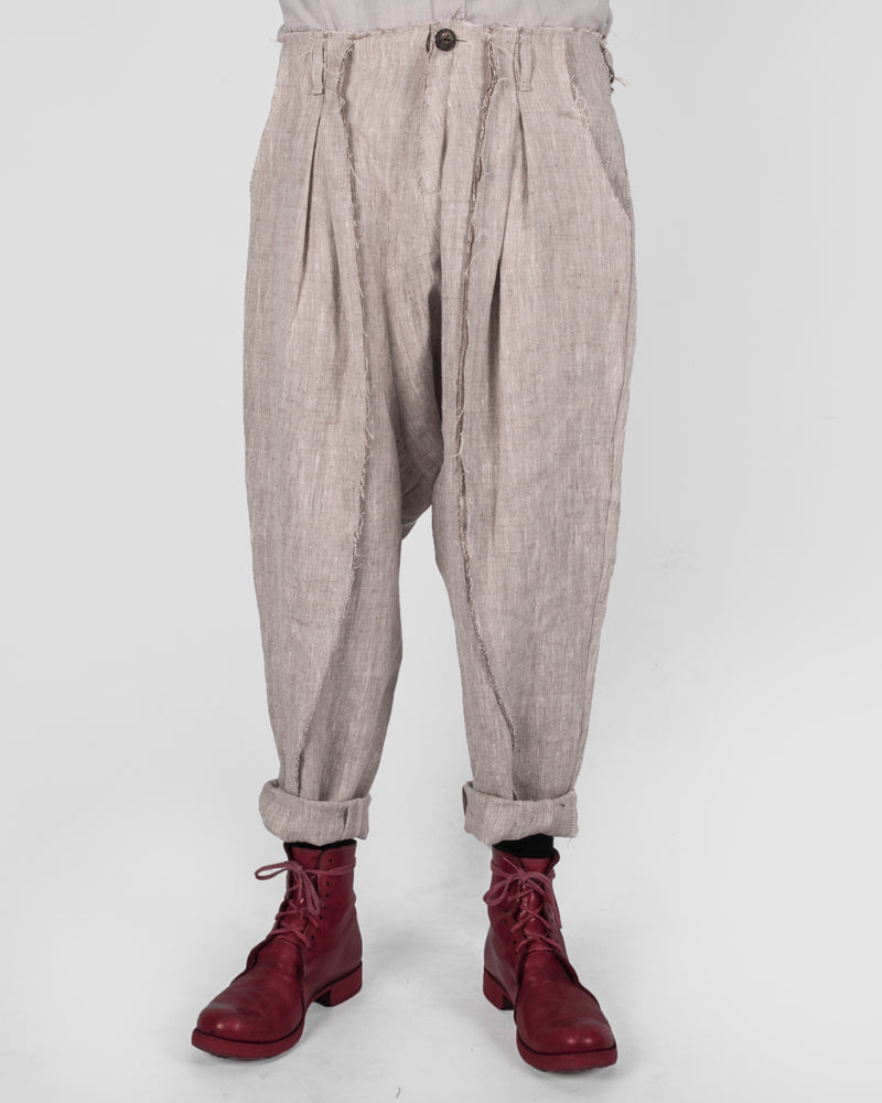 Atelier Aura - Johann deepcrotch trousers nature linen - https://stilett.com/