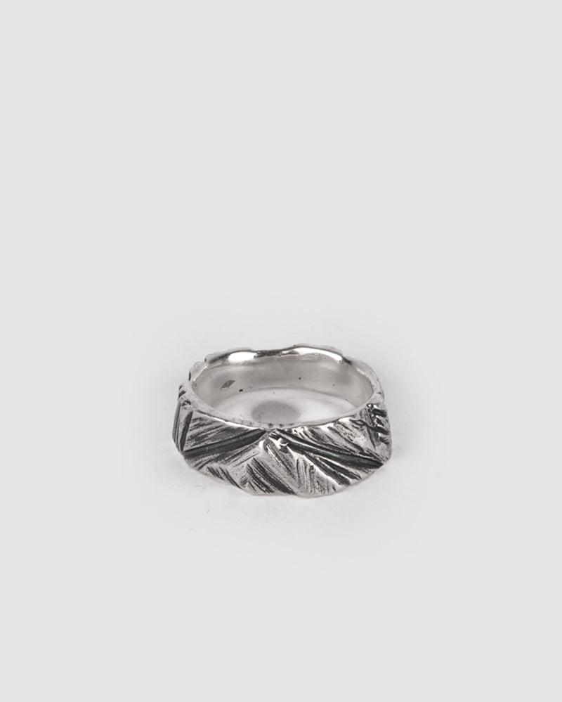 Gaspard Hex - Bark Flux Ring - https://stilett.com/