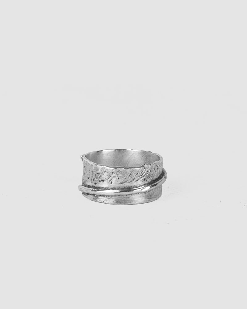 Engnell - Hammered string silver ring - Stilett.com