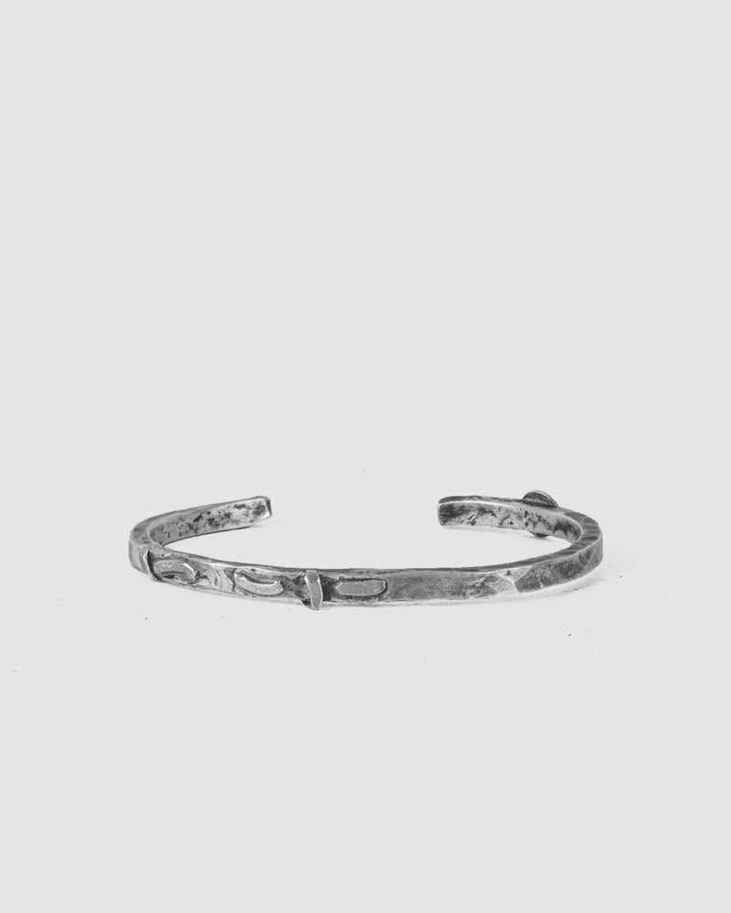Engnell - Thick detailed oxidized silver bracelet - https://stilett.com/