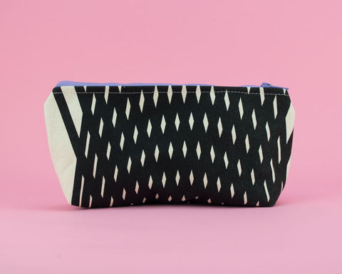 Small pouch that sits flat for pencils, notions, cosmetics