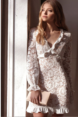 products/aurium-victoria-lace-sleeved-dress-campaign_786.jpg