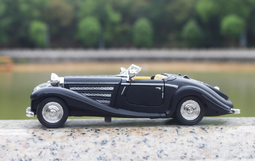 Collectible Old Model Benz 500K Replica